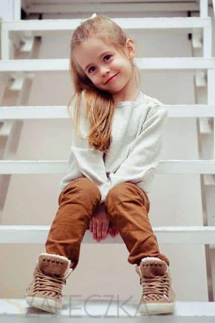 look infantil feminino com calça jeans