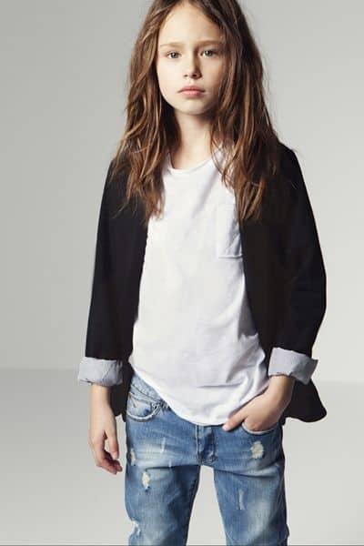 look infantil feminino com jaqueta e calça jeans