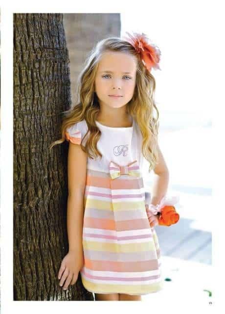 look infantil feminino com vestido listrado
