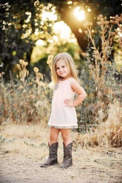 look infantil feminino vestido com bota country