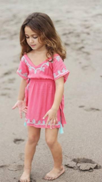 look infantil feminino com saída de praia