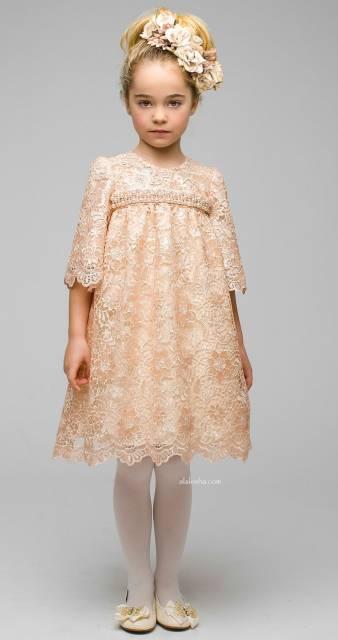 look infantil feminino com vestido de renda