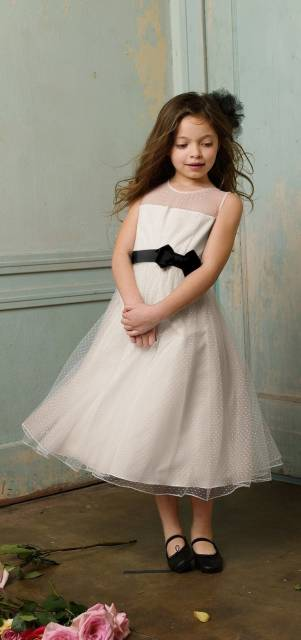 look infantil feminino com vestido com tule