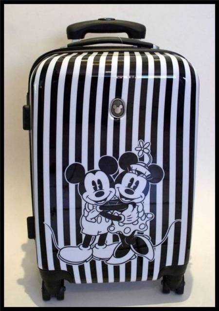 Mochila Mickey de rodinhas.