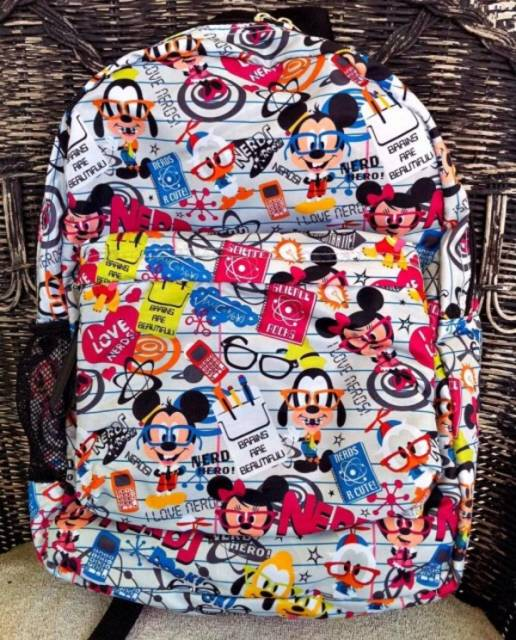 Mochila colorida Mickey.