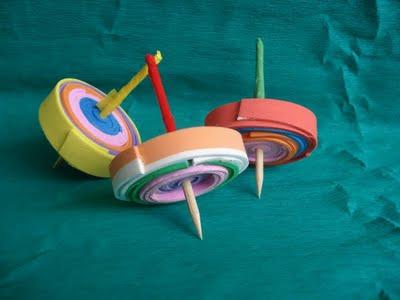 Brinquedos Folclóricos pião de EVA