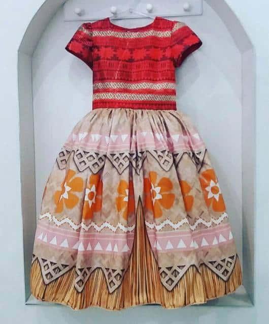 Fantasia Moana vestido rodado estampado