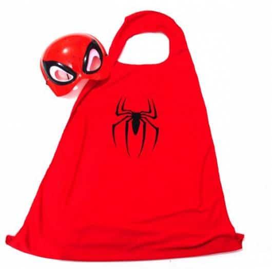 Modelo de máscara de homem-aranha que vem com uma capa
