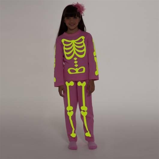 pijama que brilha no escuro de caveira
