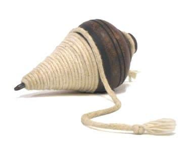 Brinquedos Antigos de madeira peão