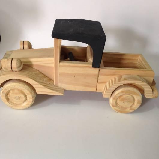 Brinquedos Antigos de madeira carrinho