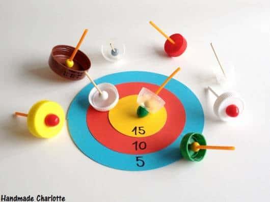 jogo com tampinhas