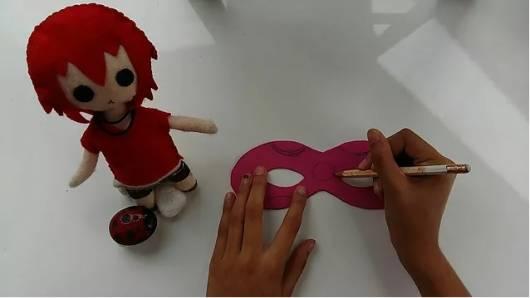 máscara Ladybug passo a passo