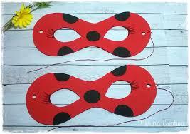 máscara Ladybug vermelha com cartolina
