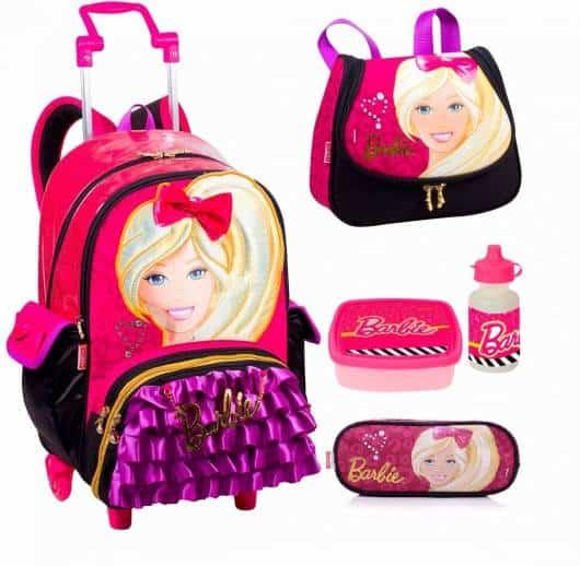 Mochila da Barbie modelo de rodinha com lancheira, squeeze e estojo