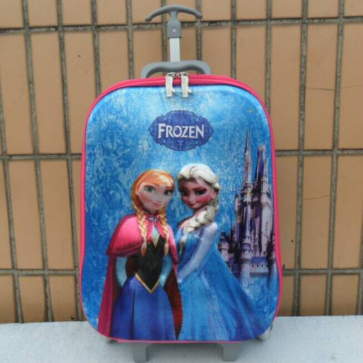 mochila azul e rosa