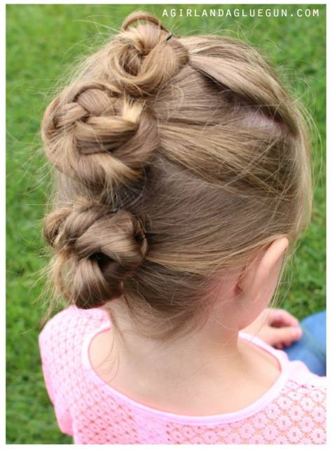 penteado com coque escola