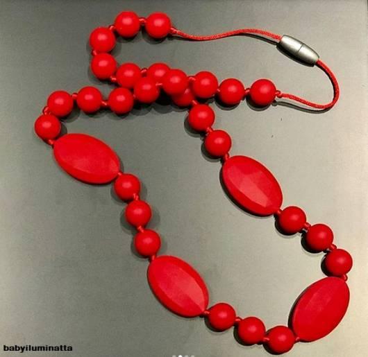colar vermelho