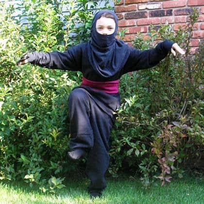 fantasia improvisada ninja preto