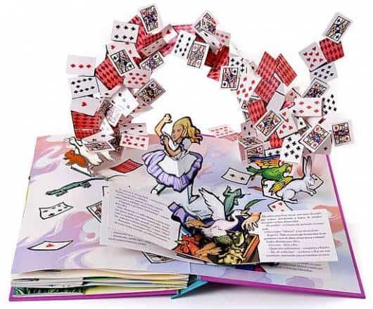 Livro infantil 3D Alice no Pais das Maravilhas