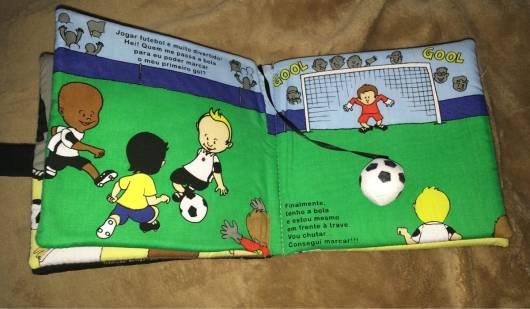 Livro infantil interativo História do Futebol