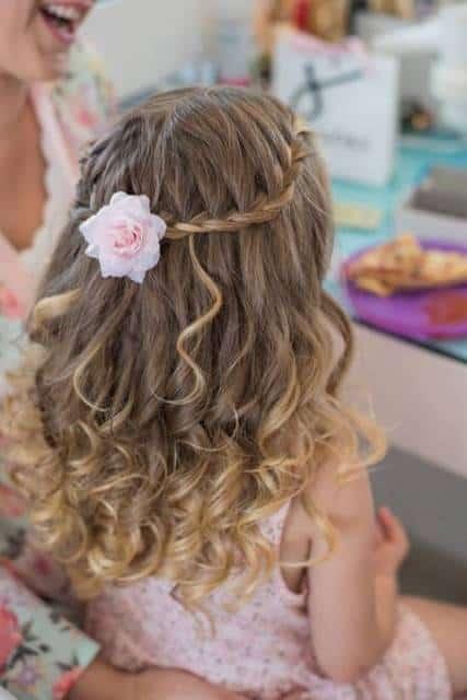 penteado solto com trança cascata