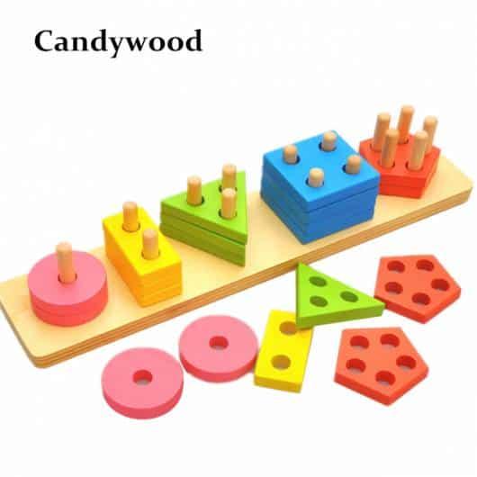 Brinquedo Montessori de madeira: formas geométricas de encaixar