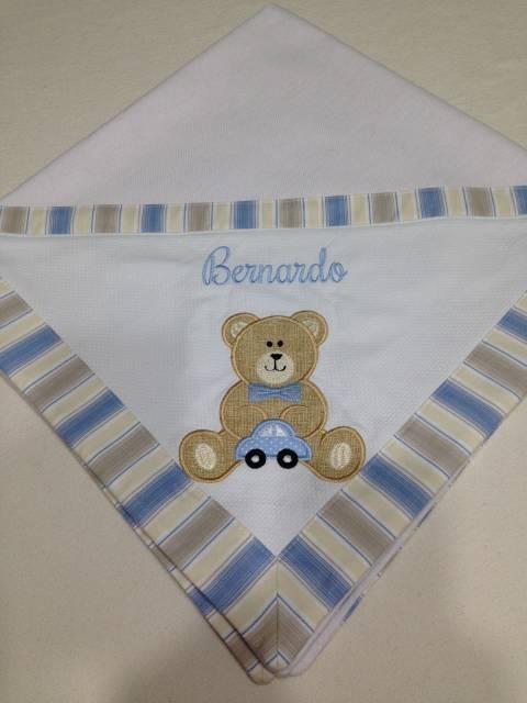 Cueiro personalizado com nome e ursinho