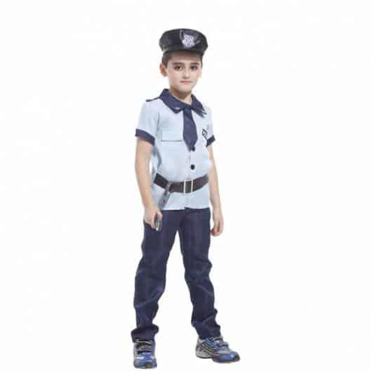 Dica para você compor a fantasia de policial de menino