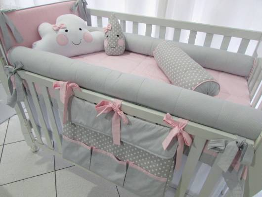 Kit berço menina tema chuva de amor cinza e rosa