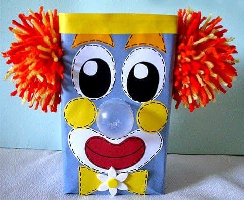 Lembrancinha dia das crianças com caixa de leite personalizada