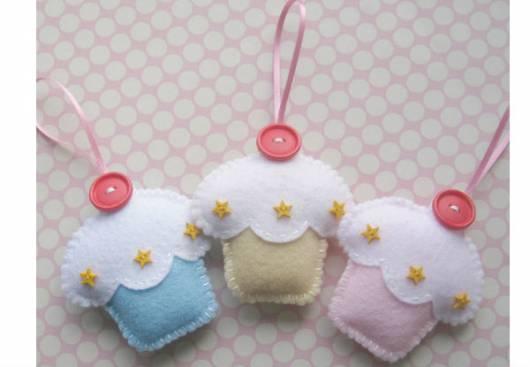 Lembrancinha dia das crianças em feltro chaveiro cupcake