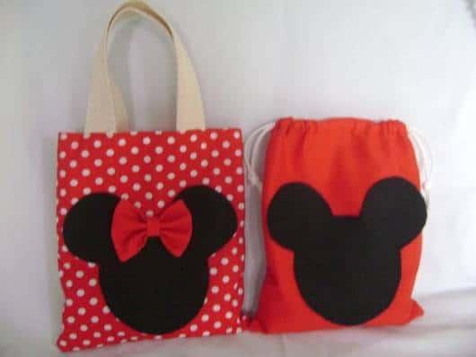 Lembrancinha dia das crianças em feltro sacolinha Mickey Minnie