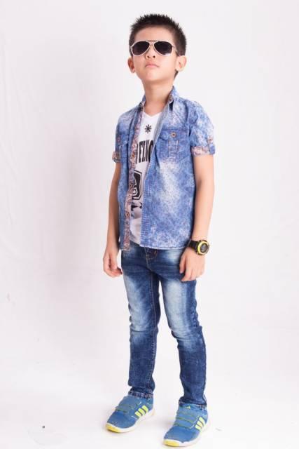 Que tal uma mistura assim: jeans + jeans?
