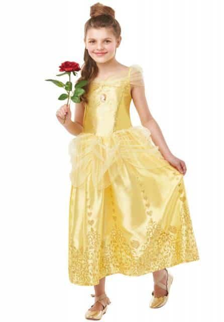 A rosa vermelha para compor o look com fantasia da princesa Bela
