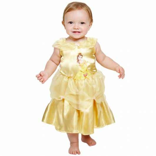 O vestido também pode ter a estampa da princesa Bela