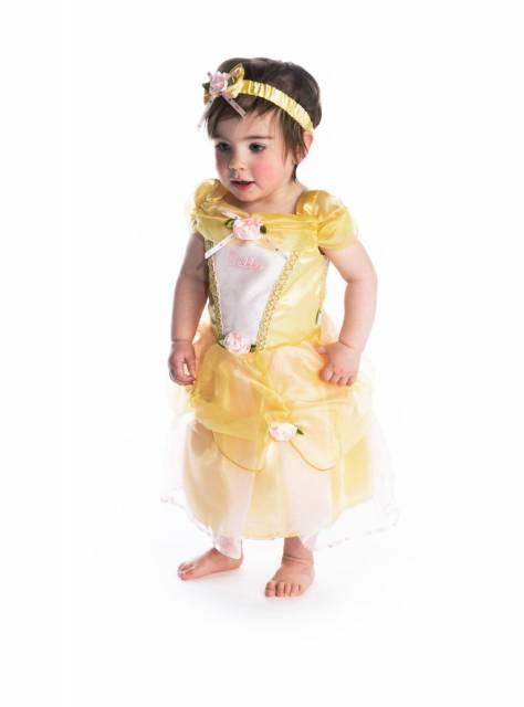 Preste atenção no comprimento do vestido da Bela para bebê