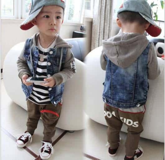 Look moderno infantil com jeans e moletom