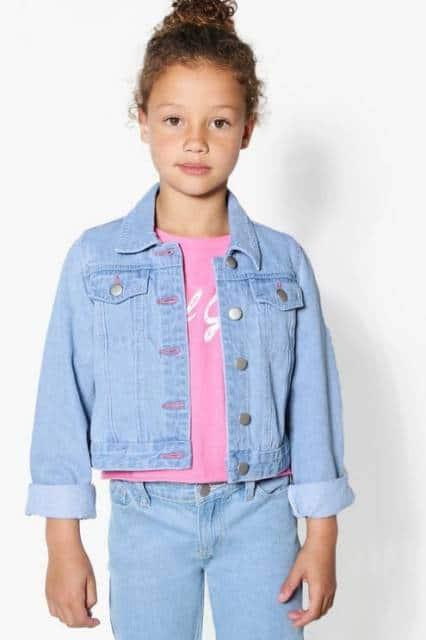 Ideia de jaqueta jeans simples para o dia a dia