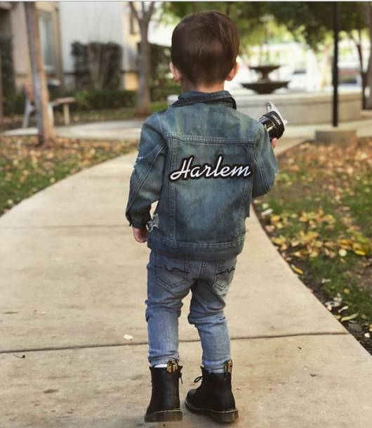 Jaqueta jeans masculina infantil com bordado na parte de trás