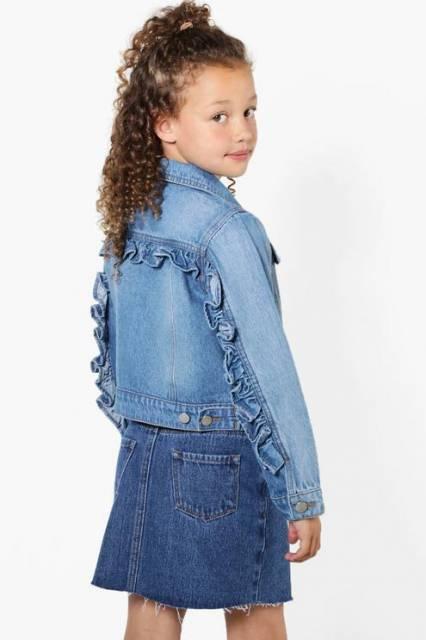 Ideia de jaqueta jeans com babados nas costas