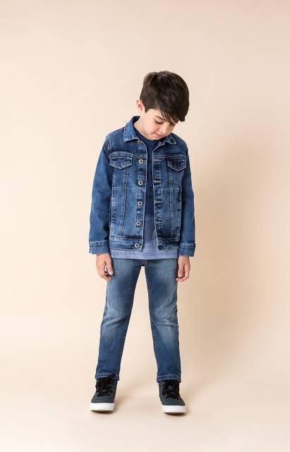 Os meninos também podem usar as jaquetas fechadas