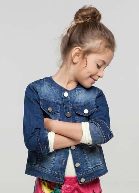 Jaqueta simples infantil com gola canoa