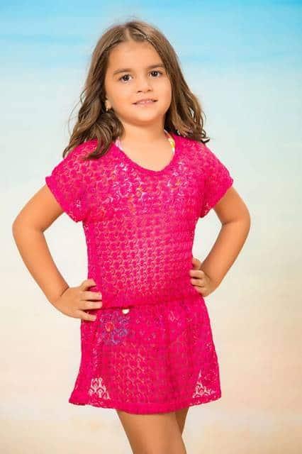 Modelo de saída de praia pink infantil