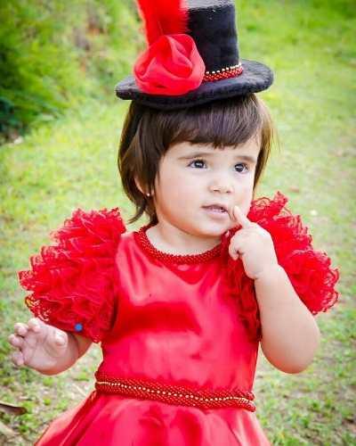 Ideia de fantasia de mágico para meninas de 1 ano