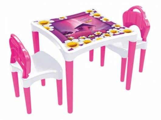 Presente Dia das Crianças para menina mesa rosa