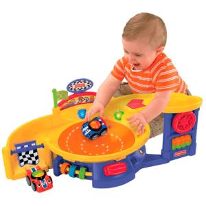 Presente Dia das Crianças para menino pista de carrinho interativa