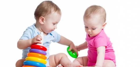 Presente Dia das Crianças torre de argolas