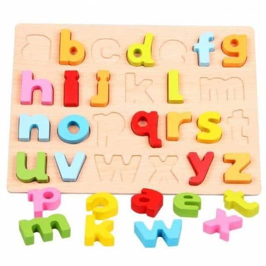 Presente Dia das Crianças brinquedo montessori encaixar letras