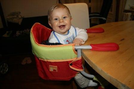 Cadeira de alimentação: Suspensa vermelha e amarela